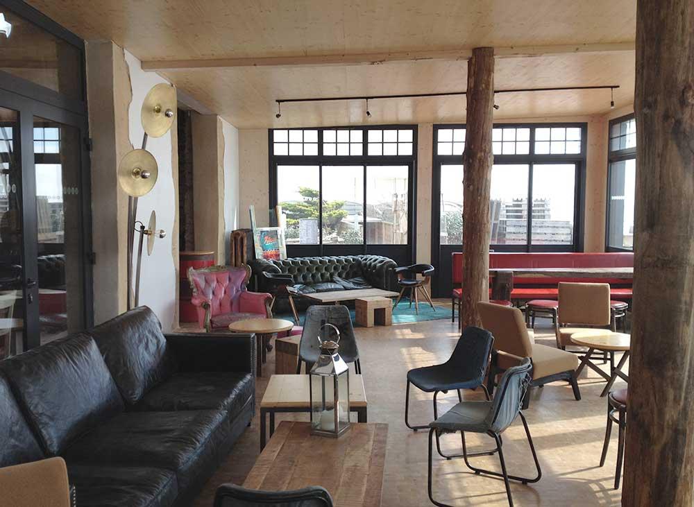 conception d'un bar à tapas à Saint Gilles croix de Vie (85) : une réalisation de Muriel Bernard, architecte DPLG. 2014